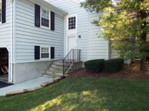 Inspected 10/8/15. Condo. Built 1982. Middletown.
